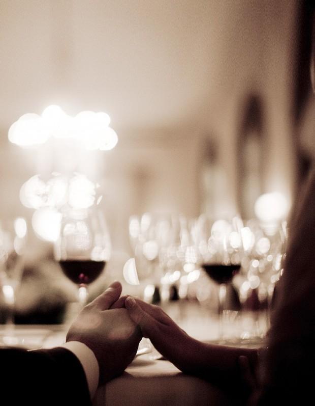 quel vin choisir quel vin choisir pour une soir e romantique elle table. Black Bedroom Furniture Sets. Home Design Ideas