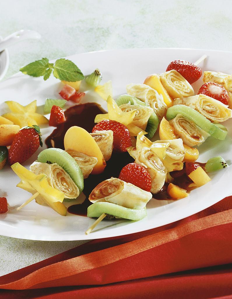 Brochettes De Crepes Et De Fruits Au Chocolat Pour 5 Personnes
