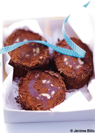 B che marron chocolat pour 6 personnes recettes elle table - Herve cuisine buche marron ...