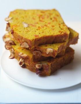 cake aux lentilles corail carottes et curry pour 8 personnes recettes elle table elle table. Black Bedroom Furniture Sets. Home Design Ideas