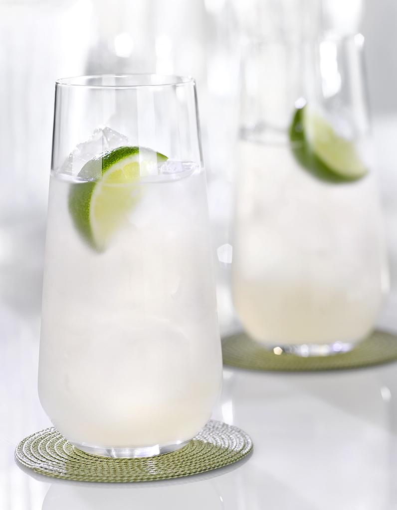 Cocktail rhum tonic au citron pour 1 personne recettes for Cocktail a base de rhum