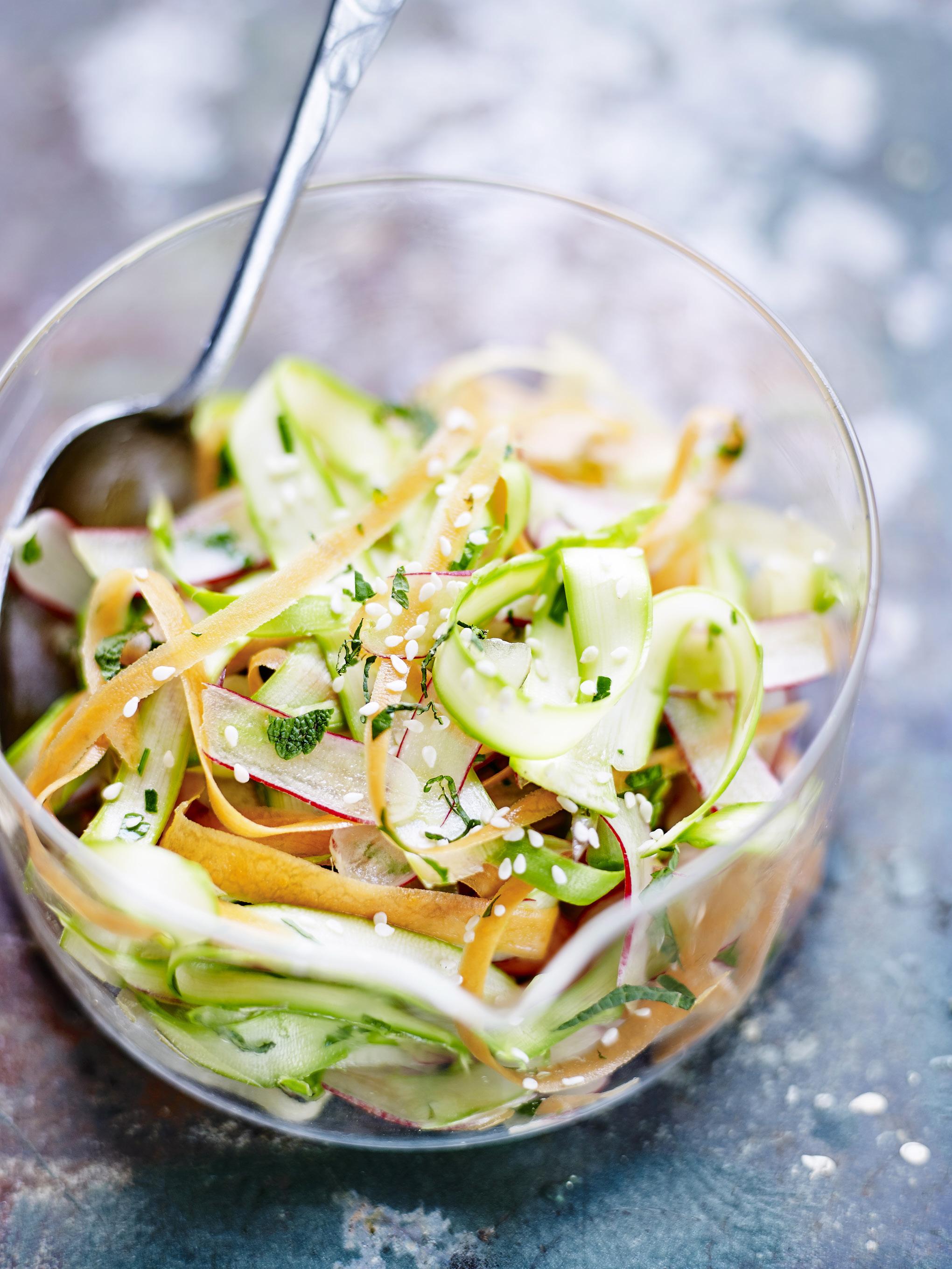 coleslaw de légumes printaniers pour 4 personnes - recettes elle à table