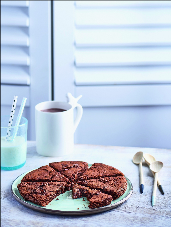 cookie fondant aux deux chocolats sans four pour 4. Black Bedroom Furniture Sets. Home Design Ideas
