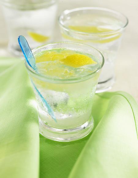 Eau digestive citron gingembre pour 4 personnes - Recettes