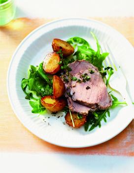 enchaud de porc salade de pommes de terre pour 6 personnes recettes elle table. Black Bedroom Furniture Sets. Home Design Ideas
