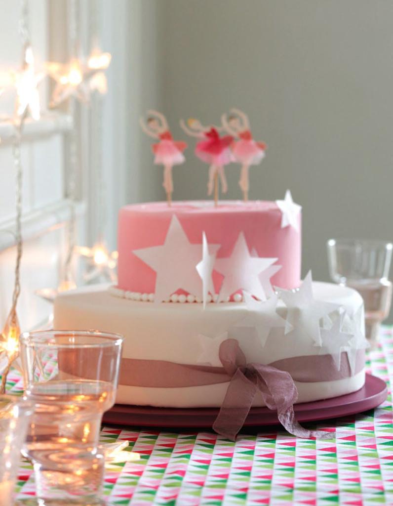 g teau anniversaire princesse pour 12 personnes recettes. Black Bedroom Furniture Sets. Home Design Ideas
