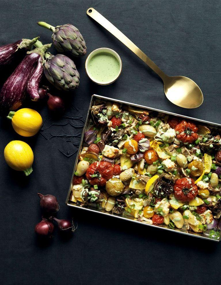 Légumes et feta rôtis pour 4 personnes - Recettes Elle à Table