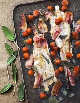 Lotte au four tomates lard sauge pour 4 personnes recettes elle table elle table - Recette de lotte au four ...