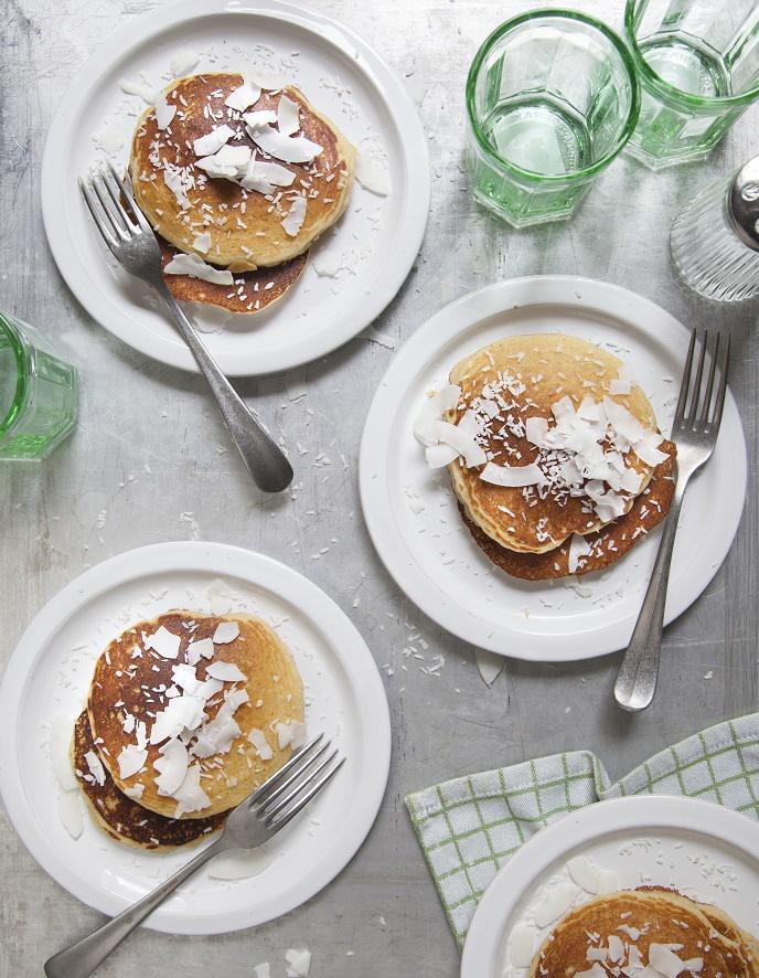 Pancakes coco pour 4 personnes recettes elle table - Recette pancakes herve cuisine ...