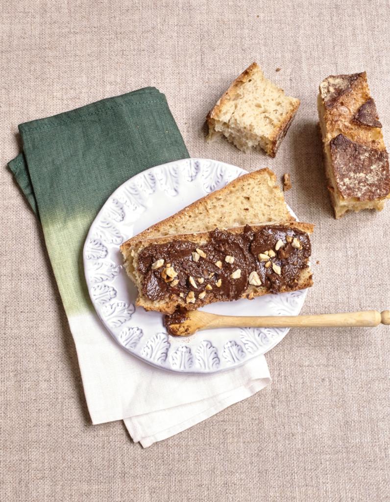 p te tartiner maison chocolat noir noisettes pour 8 personnes recettes elle table. Black Bedroom Furniture Sets. Home Design Ideas