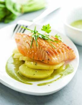 Pav de saumon grill l 39 unilat ral sauce l 39 oseille pour 4 personnes recettes elle table - Comment cuisiner pave de saumon ...