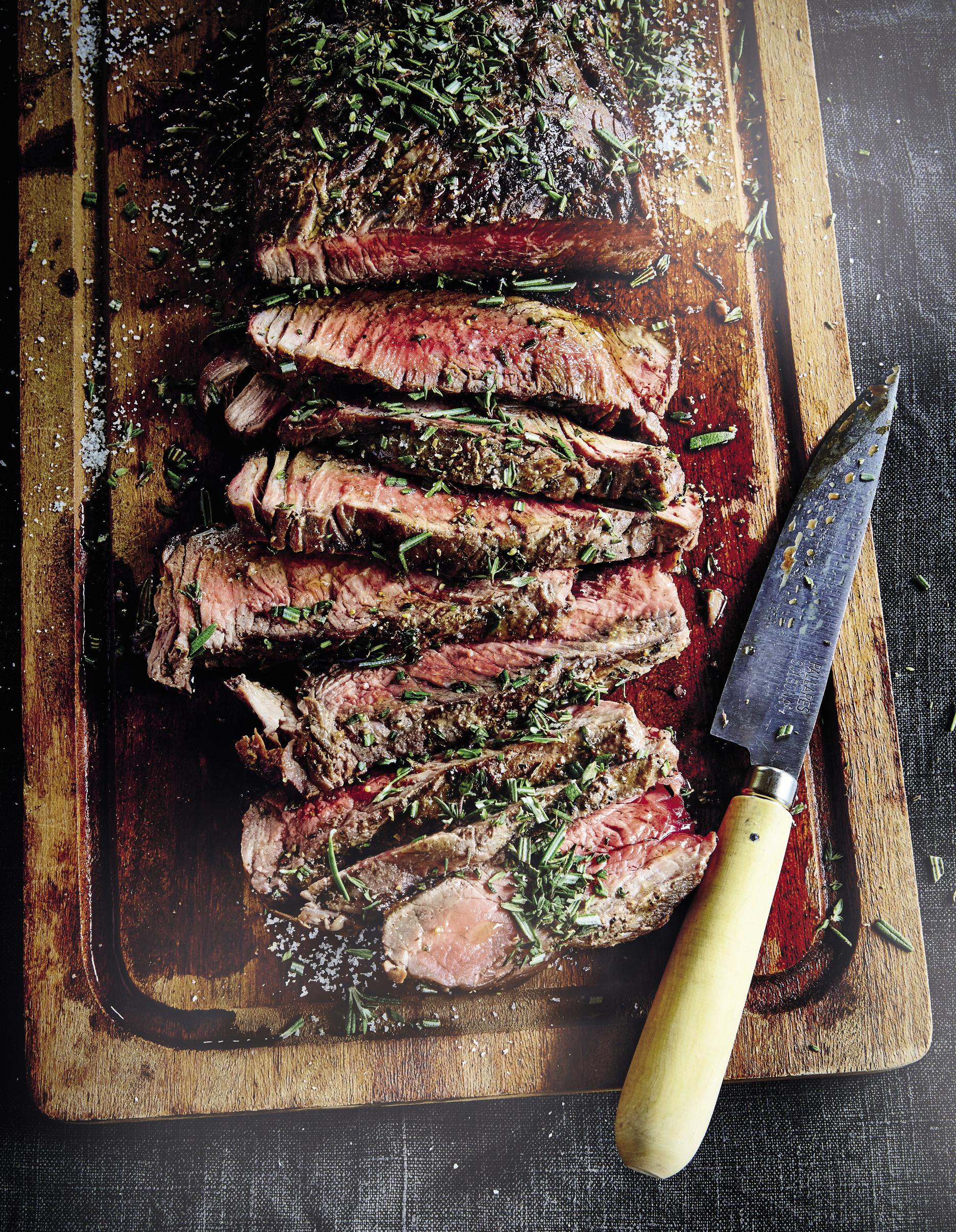 Pièce de bœuf grillée pour 4 personnes - Recettes Elle à Table