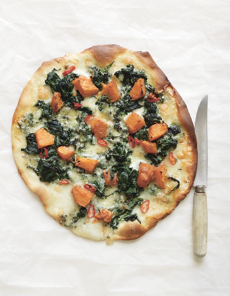 Pizza au potiron, au bleu et aux épinards de Trish Deseine ...