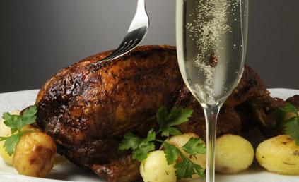 Poularde de bresse au champagne et aux morilles pour 6 personnes recettes elle table - Cuisine au champagne ...