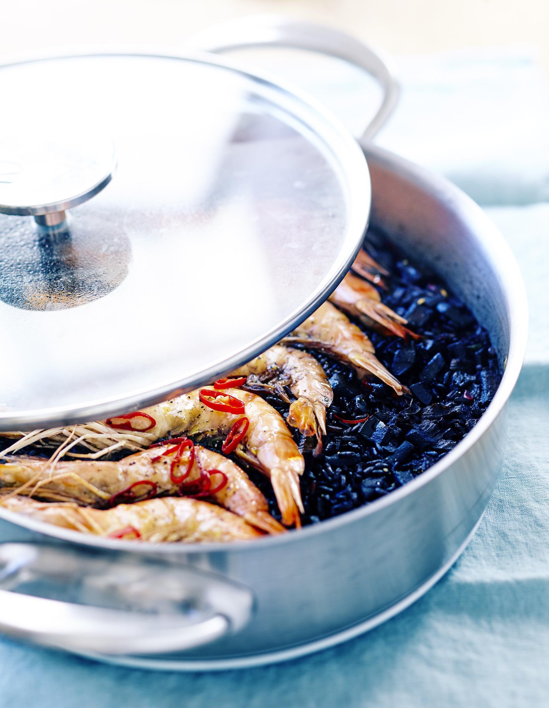 riz noir calamars et gambas pour 6 personnes recettes. Black Bedroom Furniture Sets. Home Design Ideas