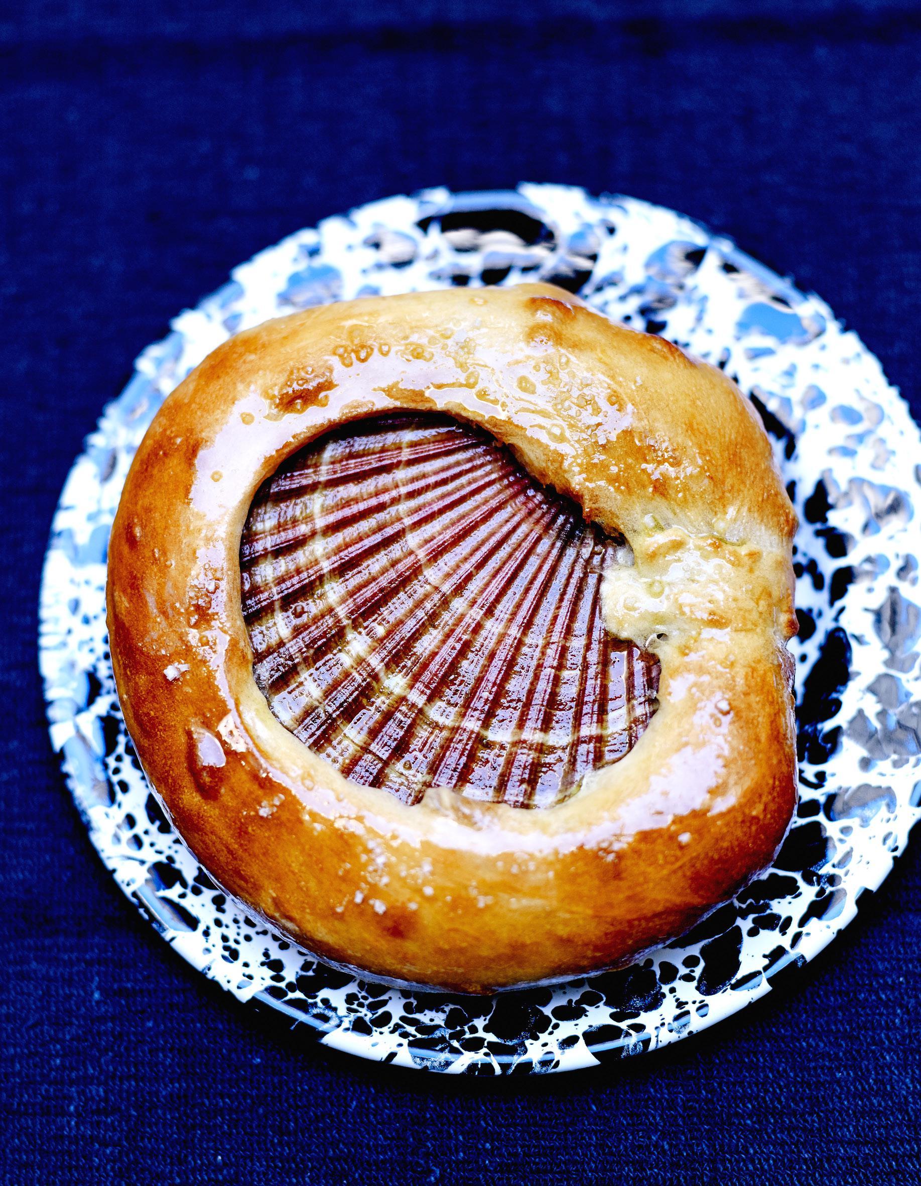 Saint-jacques et pain campagnard pour 4 personnes - Recettes - Elle