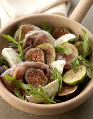 salade aux deux figues pour 6 personnes recettes elle table. Black Bedroom Furniture Sets. Home Design Ideas