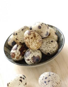 Salade minute aux œufs de caille