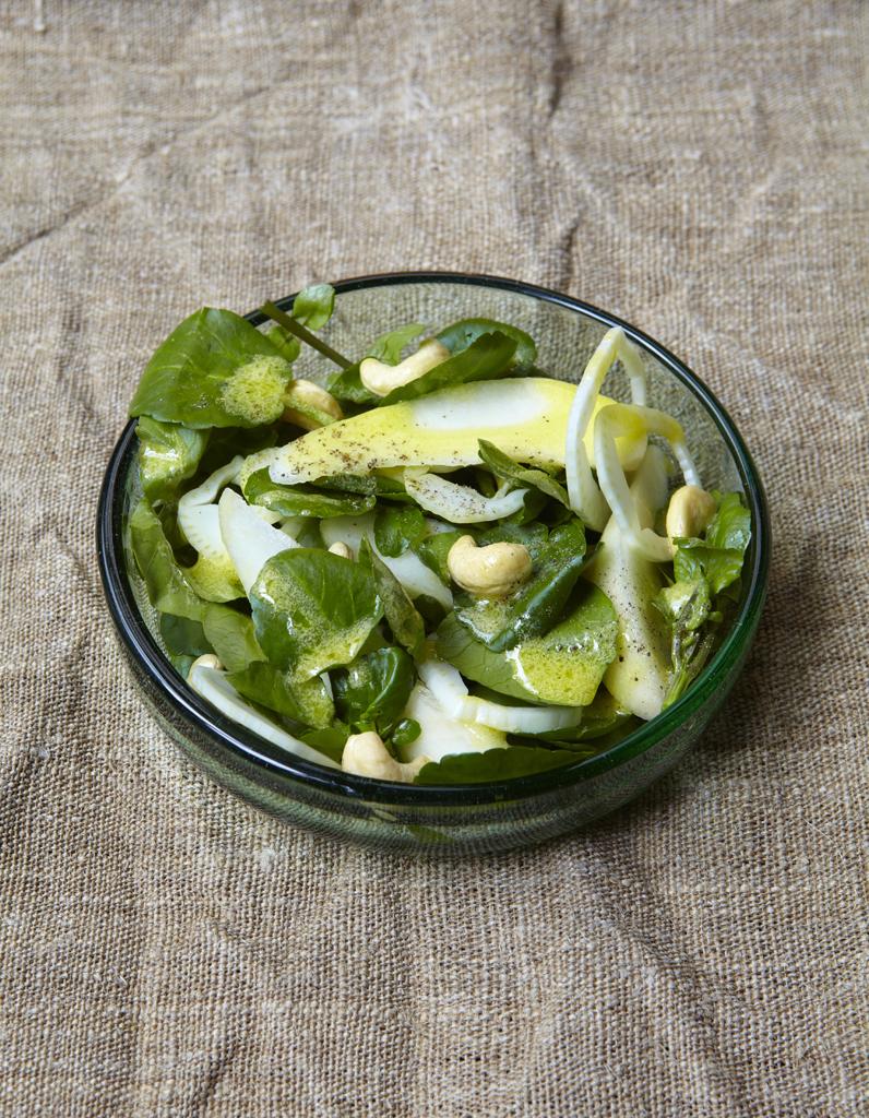 salade tr s verte pour 6 personnes recettes elle table. Black Bedroom Furniture Sets. Home Design Ideas