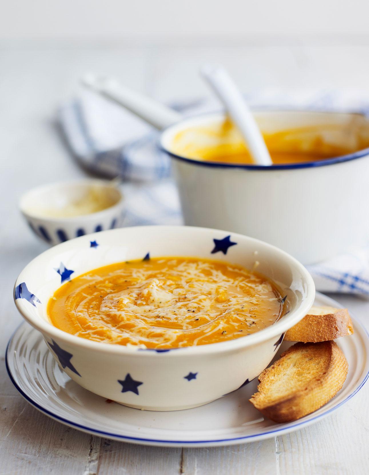 Soupe De Legumes Thermomix Pour 4 Personnes Recettes Elle A Table