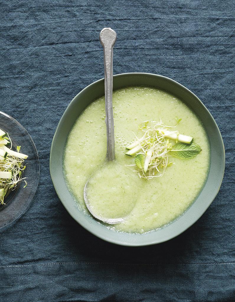 Soupe froide originale concombre, pommes et wasabi pour 4