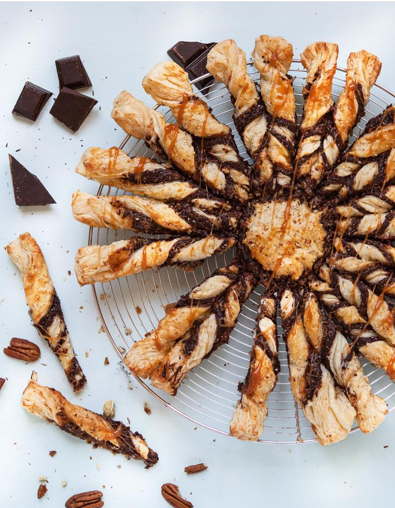 tarte soleil choco caramel pour 8 personnes recettes. Black Bedroom Furniture Sets. Home Design Ideas