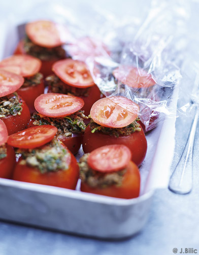Tomates farcies pour 6 personnes recettes elle table - Recette cuisine france 2 telematin ...