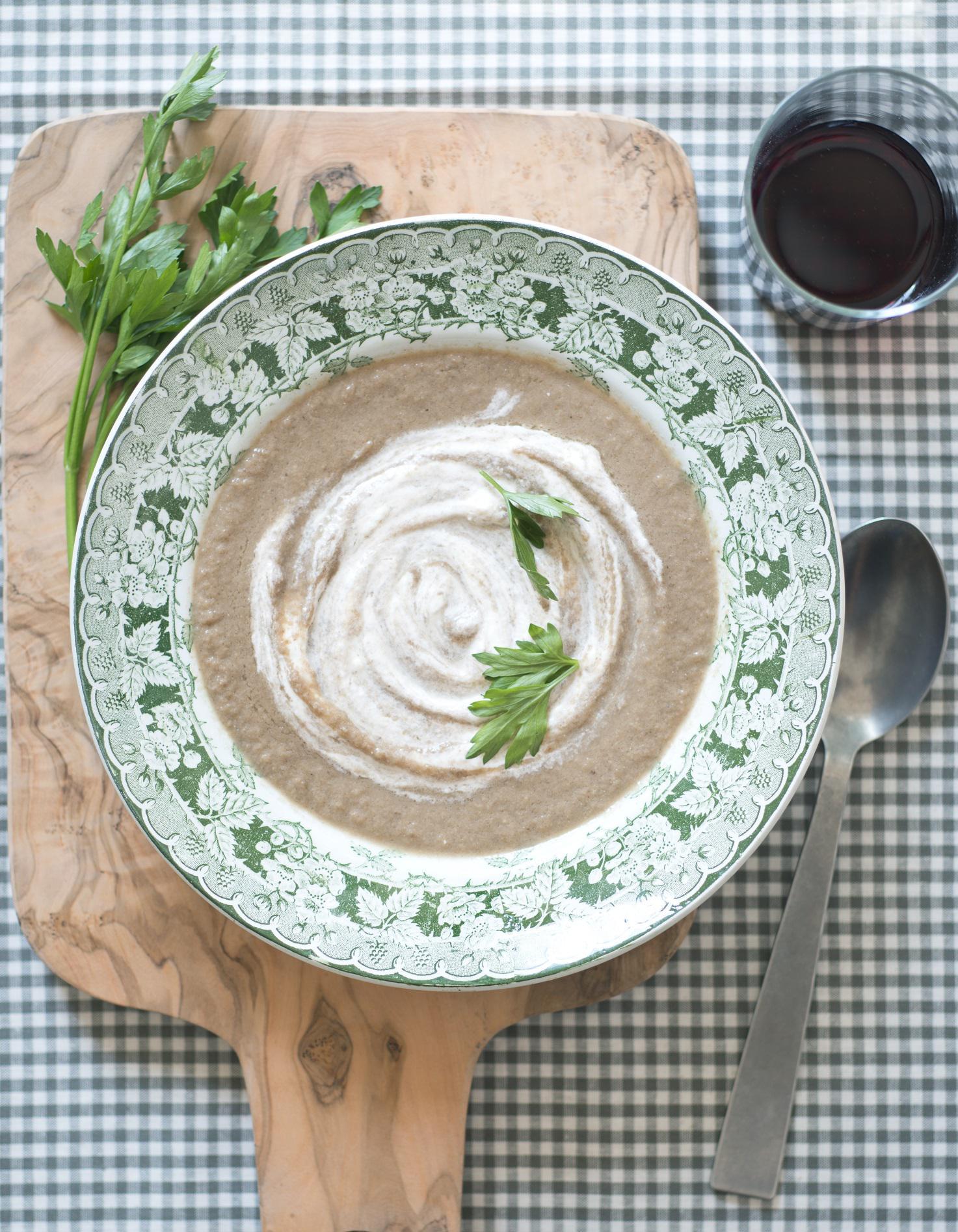 Velouté de champignons à la crème de truffe pour 4 ...