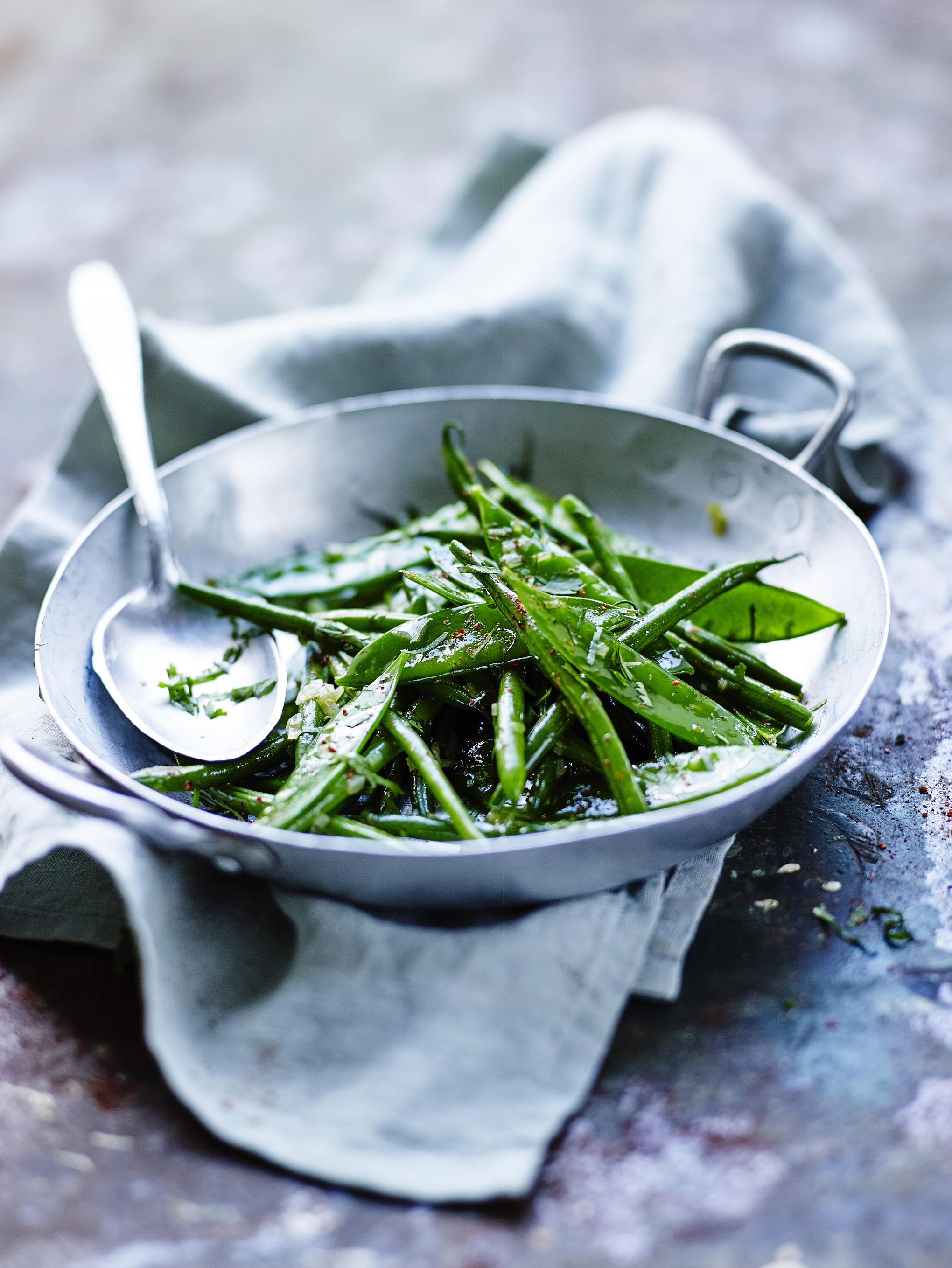 wok de haricots verts et pois gourmands pour 4 personnes
