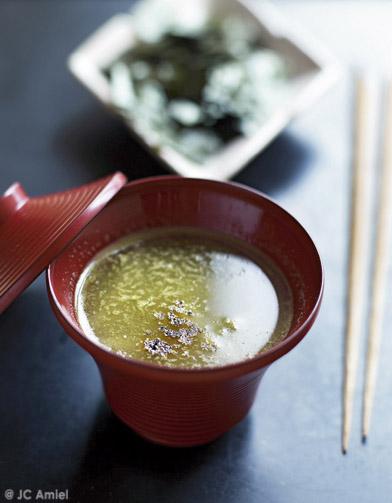 soupe d 39 hiver japonaise pour 4 personnes recettes elle table. Black Bedroom Furniture Sets. Home Design Ideas