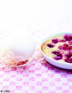 Clafoutis cerises et fraises des bois