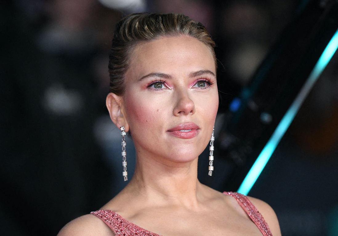 Black Widow : Scarlett Johansson attaque Disney en justice - Elle