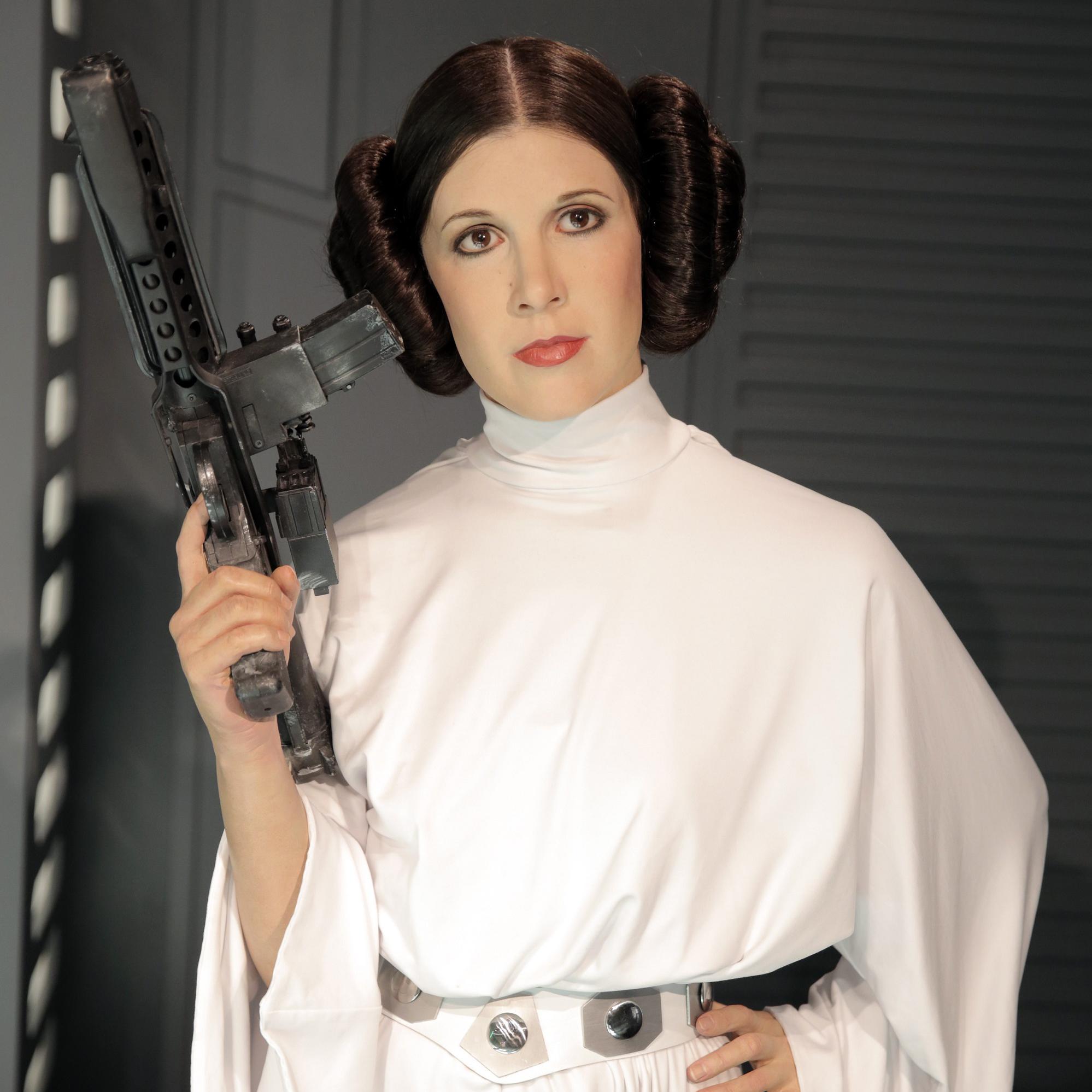 Prêtàliker Découvrez Le Nouveau Costume De La Princesse Leia Dans Star Wars 7 Elle