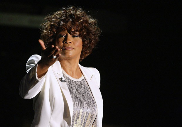 Michael Jackson & Whitney Houston Whitney-Houston-le-biopic-de-la-discorde_visuel_article2