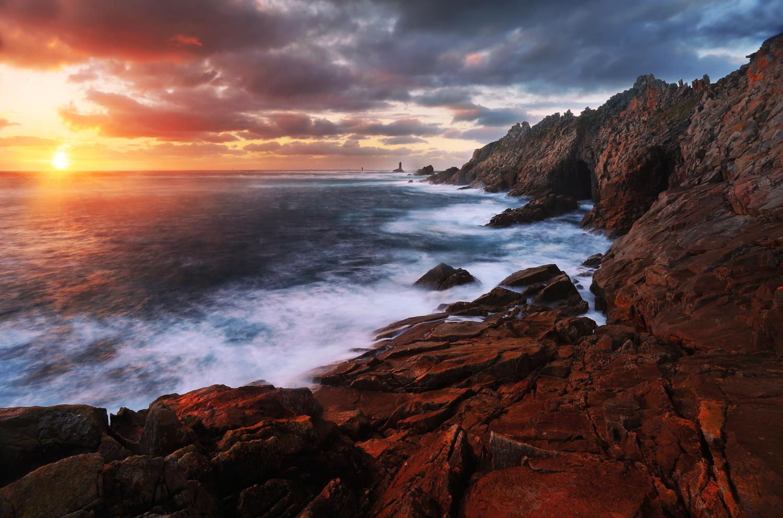 En Bretagne Depuis La Pointe Du Raz 10 Lieux Magiques O 249 Admirer Le Coucher Du Soleil Partout En France Elle