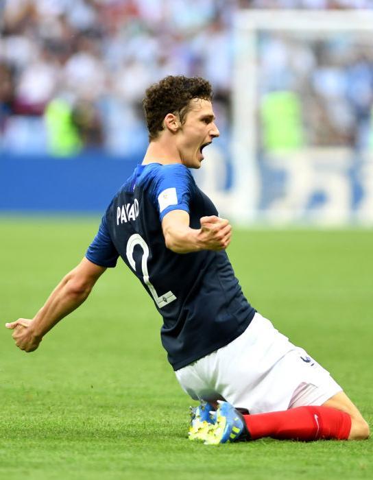 Benjamin pavard les paroles de la chanson de la coupe du monde 2018 elle - Musique de coupe du monde ...
