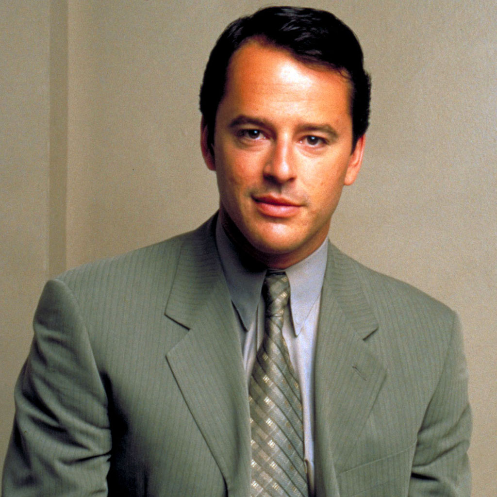 picture Gil Bellows