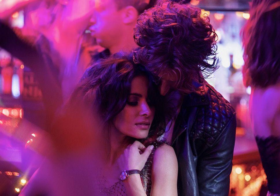 Sex/Life : Sarah Shahi raconte sa recontre avec Adam Demos sur le tournage de la série