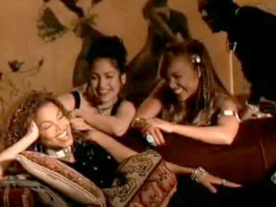 jennifer lopez guest d 39 un clip de janet jackson 25 infos rigolotes sur la pop culture elle. Black Bedroom Furniture Sets. Home Design Ideas