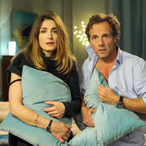 tv julie gayet et sa crise de couple elle. Black Bedroom Furniture Sets. Home Design Ideas