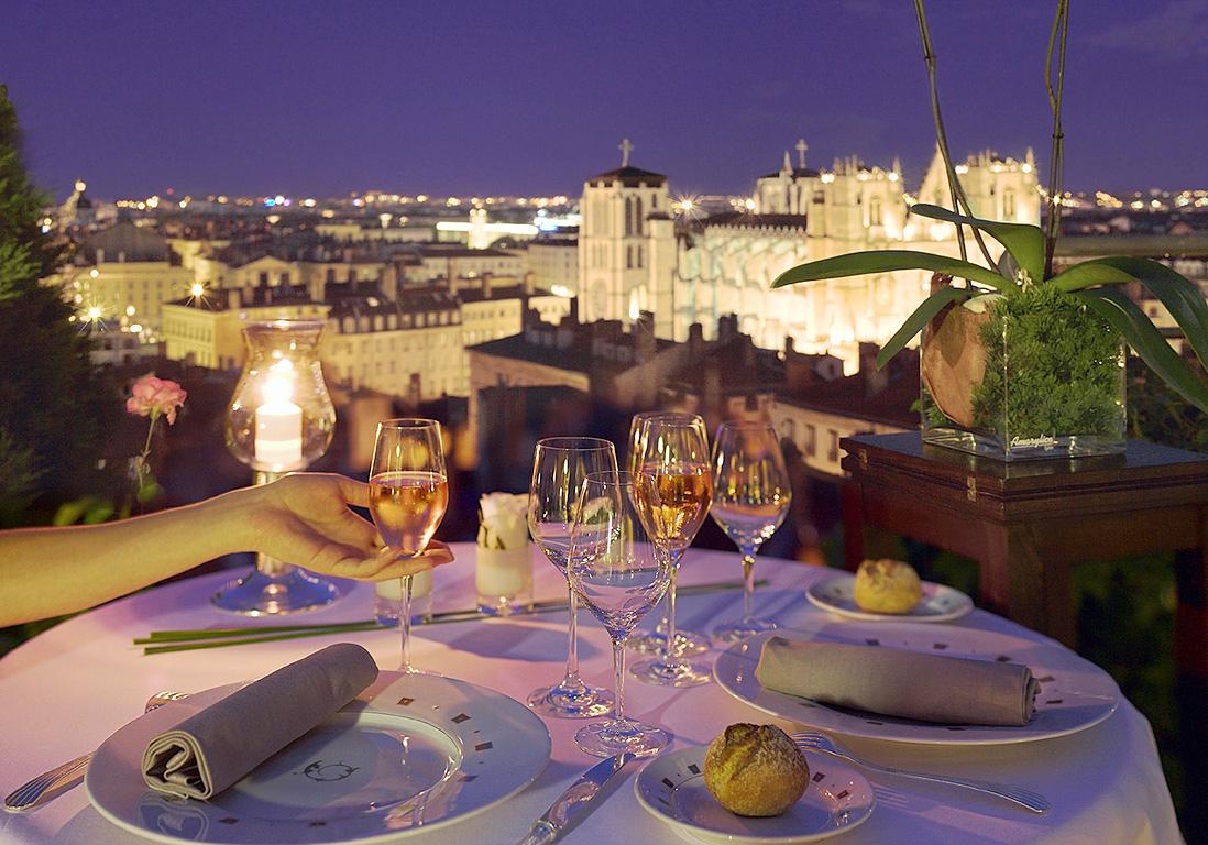 Diner Romantique Avec Vue Sur Les Toits De Lyon Les Meilleures Adresses De Restos Pour Un Diner Romantique Elle