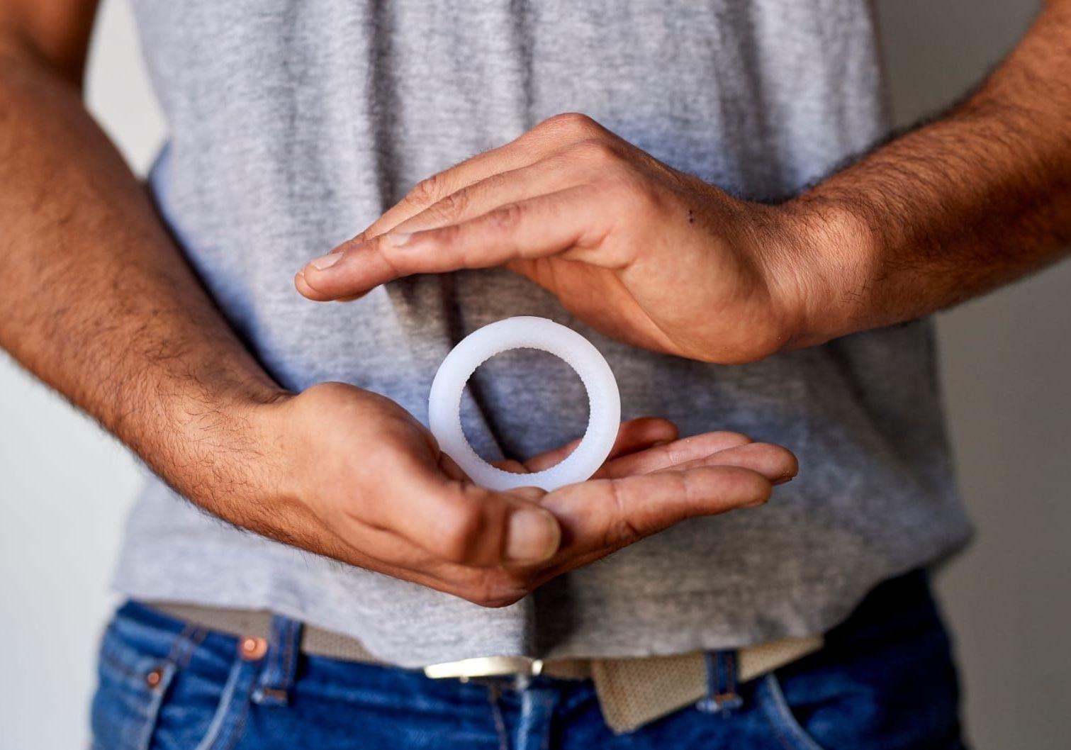 L'Andro-switch, l'anneau qui révolutionnela contraception masculine - Elle