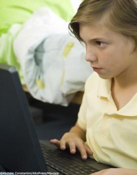 Internet-les-8-17-ans-victimes-d-agressions_mode_une
