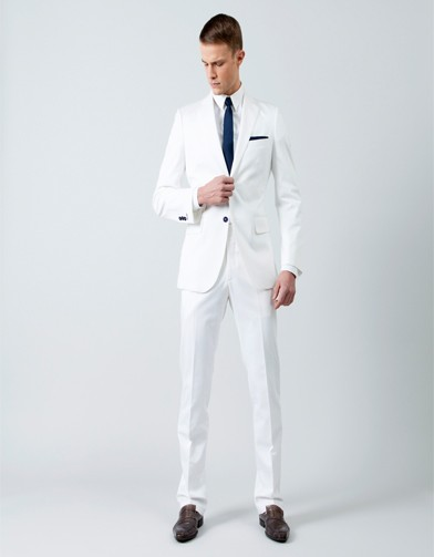 samson costume mesure blanc le mari trendy elle. Black Bedroom Furniture Sets. Home Design Ideas