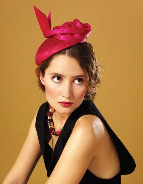 bibi fushia nos chapeaux et autres bibis pour un mariage elle. Black Bedroom Furniture Sets. Home Design Ideas