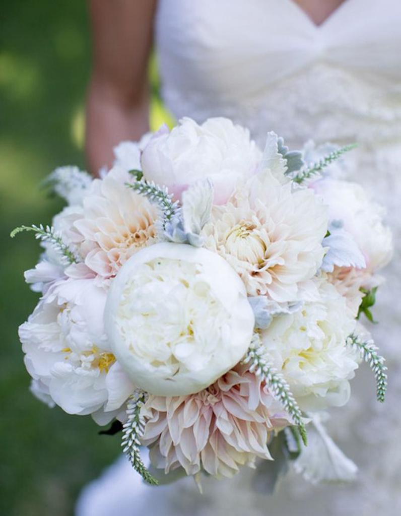 bouquet de mari e dahlia 20 beaux bouquets de mari e pour gayer votre robe elle. Black Bedroom Furniture Sets. Home Design Ideas
