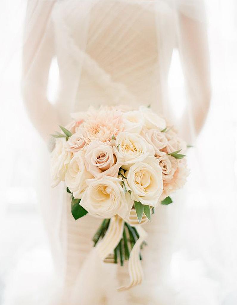 bouquet de roses les plus beaux bouquets de roses elle. Black Bedroom Furniture Sets. Home Design Ideas