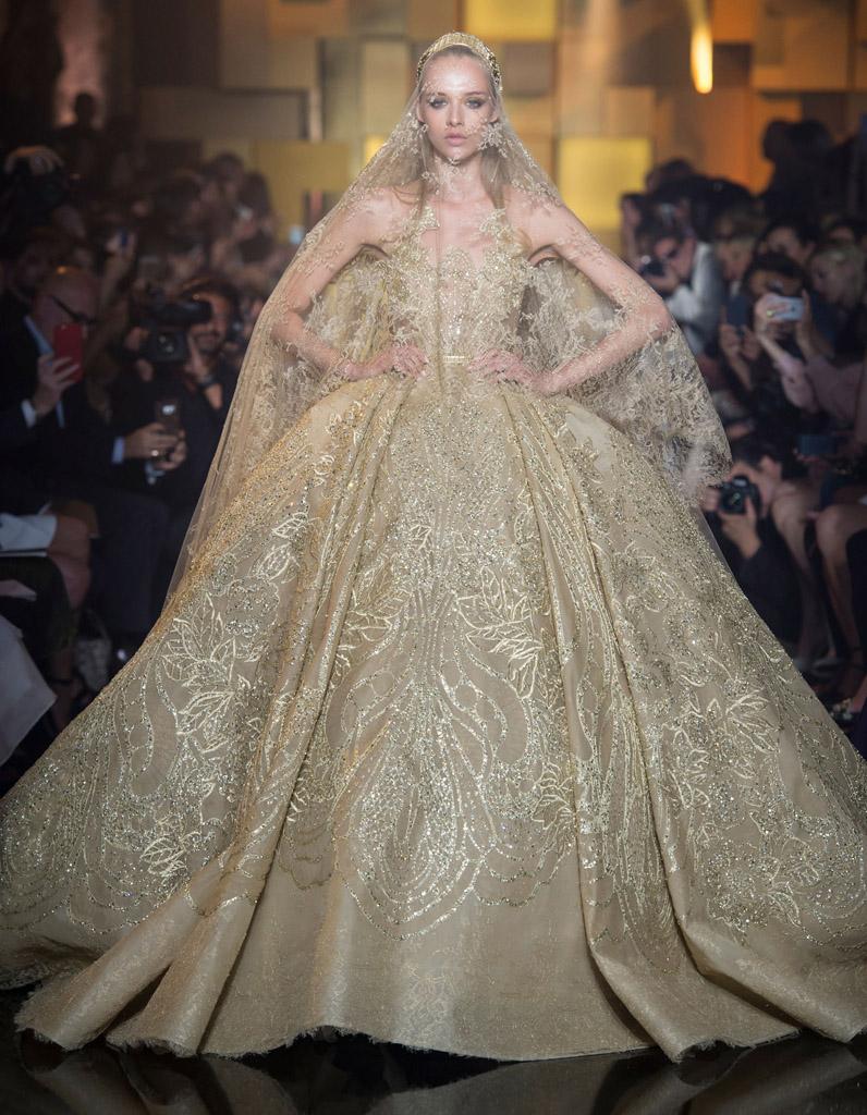 f3b75b68277 Robe de mariée Elie Saab haute couture automne-hiver 2015 2016 - 24 mariées  haute couture - Elle