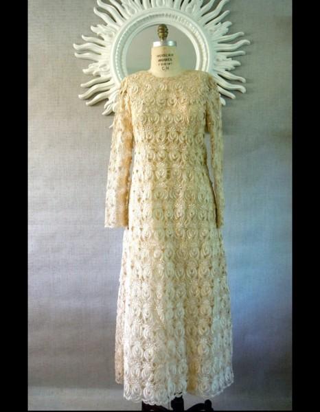 robe manches longues en dentelle ann es 60 sarara vintage 50 robes de mari e qui changent elle. Black Bedroom Furniture Sets. Home Design Ideas