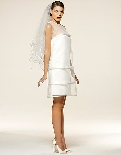 mode tendance shopping mariage robe mariee suzann hermann margo cage robe de mariage elle. Black Bedroom Furniture Sets. Home Design Ideas